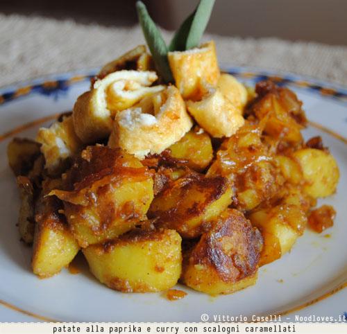 Patate alla paprika e curry con scalogni caramellati