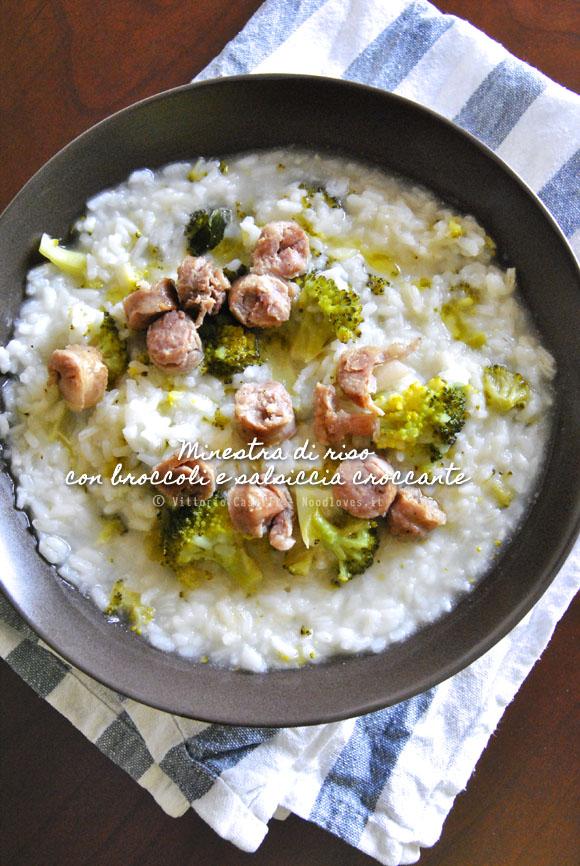 Minestra di riso con broccoli e salsiccia croccante