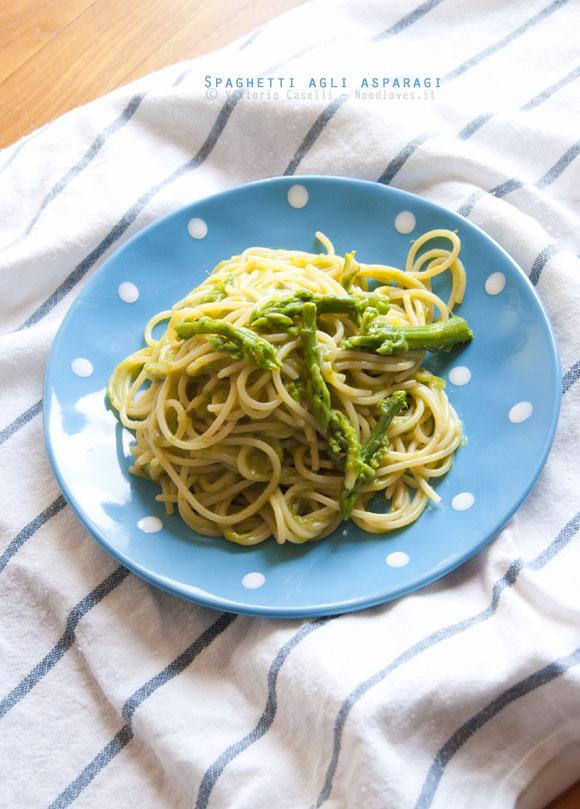 Pasta agli asparagi veloce
