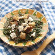 Minestra di lenticchie e spinaci, con feta e crostini