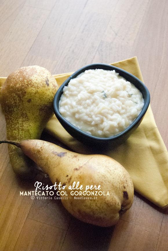 Risotto alle pere mantecato col gorgonzola