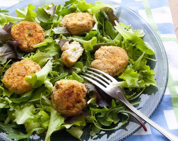 Crocchette di pollo con patate e piselli