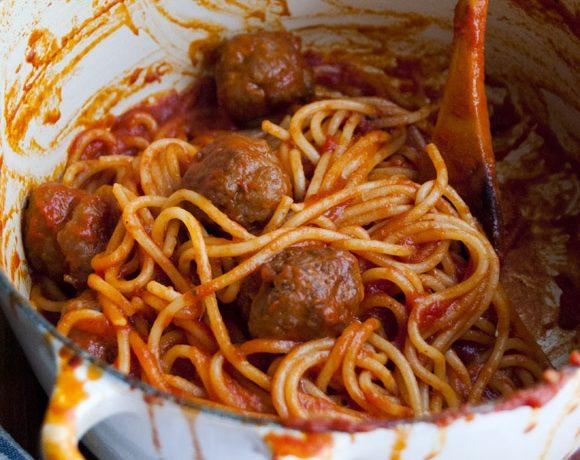 Spaghetti with meatballs all'amatriciana