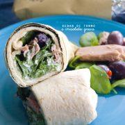 Kebab di tonno con insalata greca: il pranzo prêt-à-porter dell'estate!