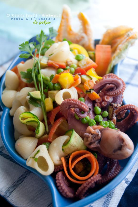 Pasta all'insalata di polpo: una ricetta fresca, leggera e piena di colori!