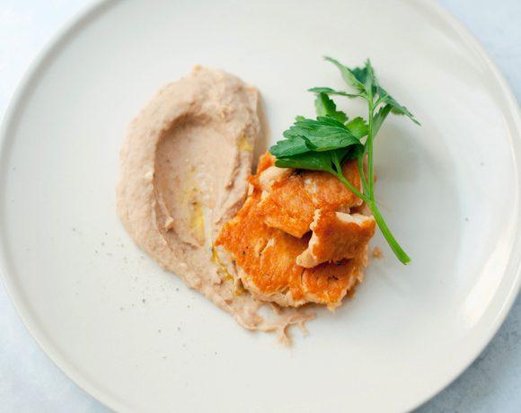 Salmone in padella con Hummus di fagioli