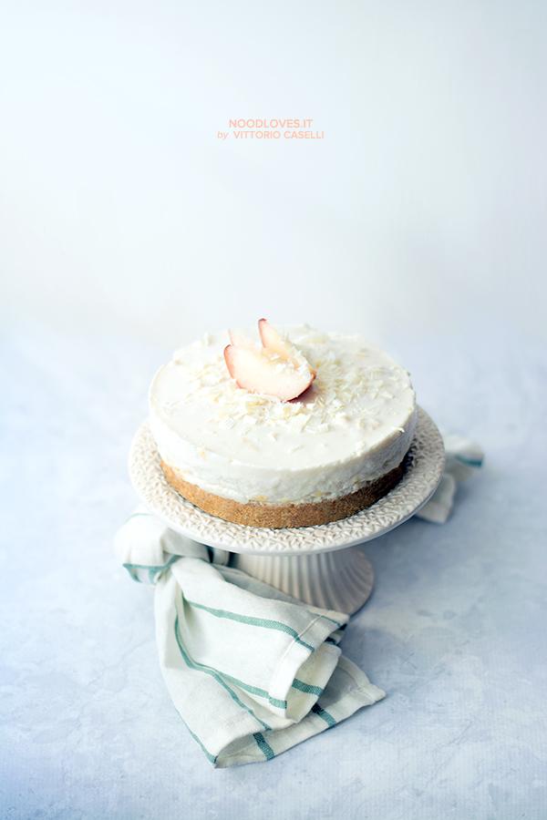 Cheesecake alle pesche e cioccolato bianco