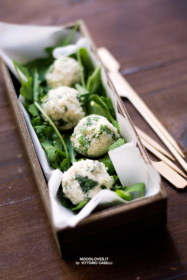 Tartufini salati di quinoa e parmigiano