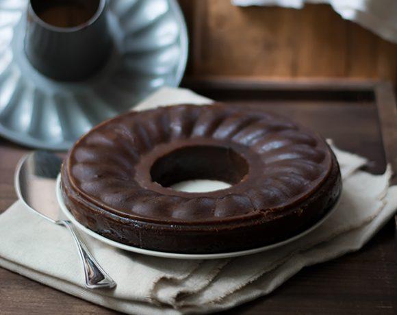 Castagnaccio morbido al cioccolato e cachi