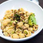 Orecchiette ai broccoli e tonno