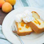 Plumcake alle albicocche con gelato veloce