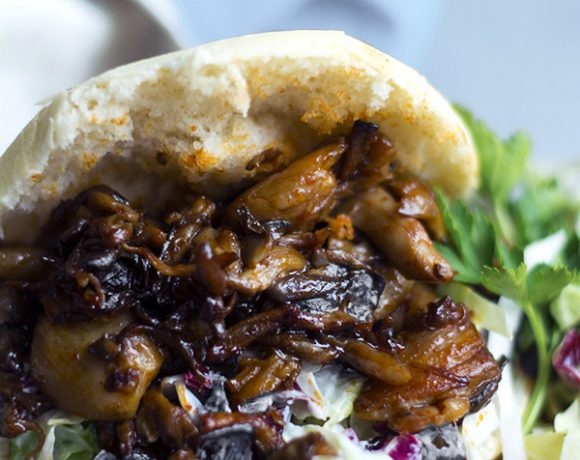 Vegan pulled pork funghi alla salsa barbecue